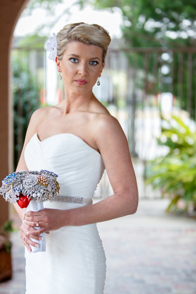 The Parador, Houston Wedding Photographer, Bridals, Strapless Gown, Winter, Cold, Rain, brooch bouquet