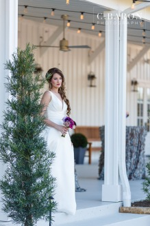 Gorgeous mixed metals editorial wedding shoot at The Farmhouse in Dobbin Texas, Montgomery County