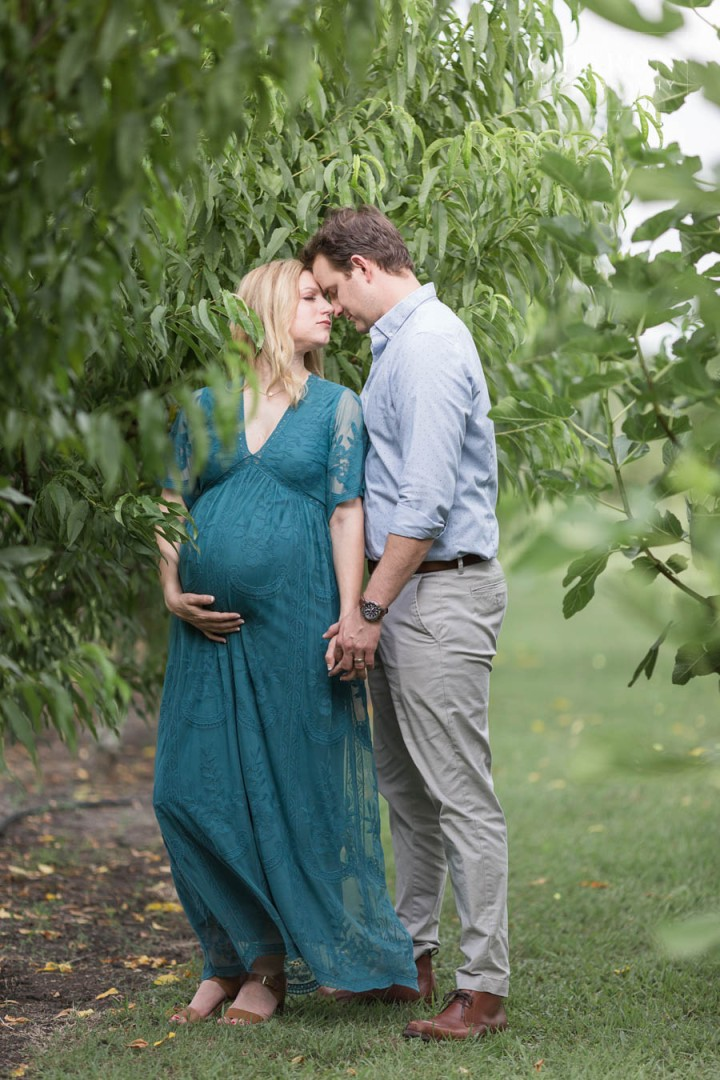 Pretty Maternity session at Lavender Farm near Houston Texas
