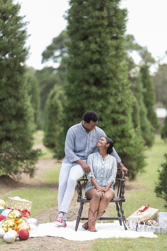 Fun Holiday Mini Sessions at a Christmas Tree Farm with Santa Cl